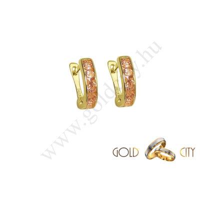 Bébi fülbevaló rózsaszínű kővel az ékszer webáruházból-goldcity.hu