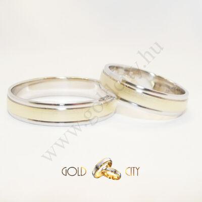 Modern, szélein fényes fehér arany, közepén matt sárga arany karikagyűrű
