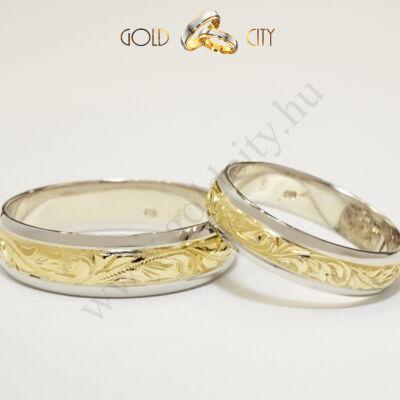 Kézzel vésett  karikagyűrű, 14 karátos sárga és fehér aranyból