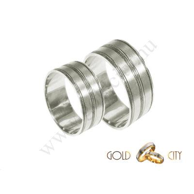 Mutatós 14 karátos fehér arany  karikagyűrű.