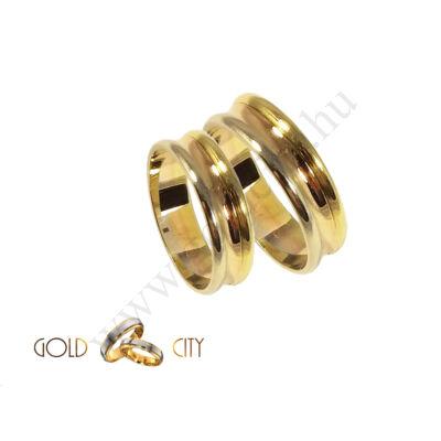 Karikagyűrű jegygyűrű vésett mintával a GoldCity Ékszer Webáruházból