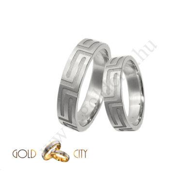 Fehér arany karikagyűrű  a Gold City Ékszer Webáruházból.