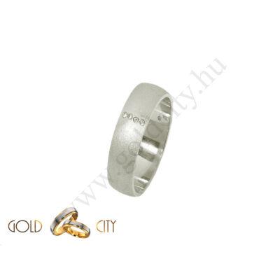 Matt, 14 karátos fehér arany karikagyűrű, cirkónia kővel díszítve